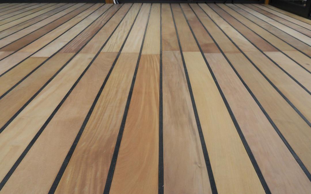 Particolare pavimento veranda con giunto in gomma tipo barca